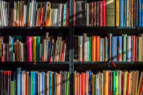 本・書籍を活用する
