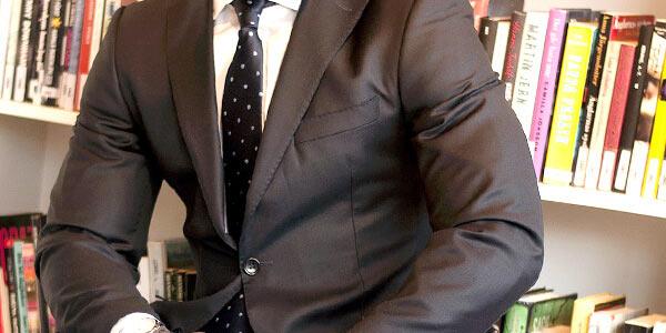 就職活動中のリクルートスーツ選びで意識したい4つのポイント