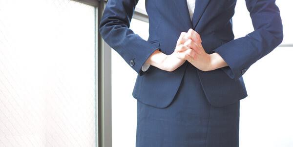 サイズがピッタリ合うスーツは立ち振る舞いが美しい