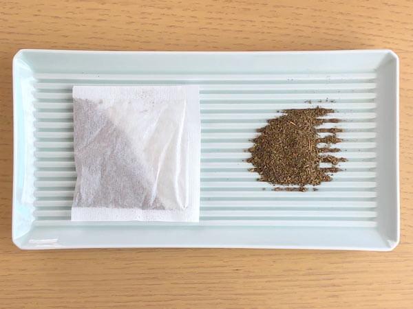 「ホンゾウの甜茶」(本草製薬)  中身はこちら