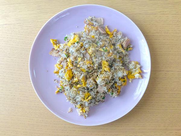 「甜茶の茶殻チャーハン」のレシピ