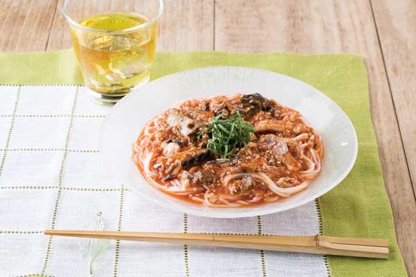 「1日分の野菜」レシピ③ 調理時間わずか7分!暑い時期に最適な料理【サバ缶&冷静野菜スープそうめん】