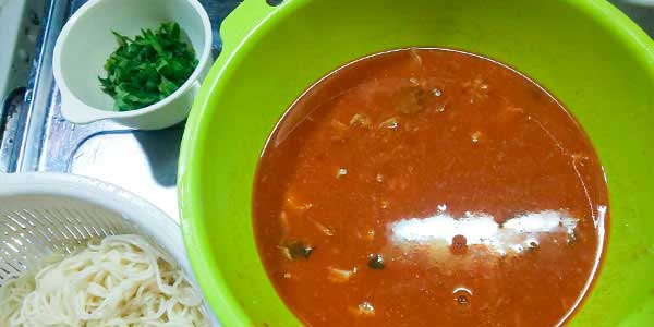 最後にサバ缶&冷静野菜スープそうめんに挑戦
