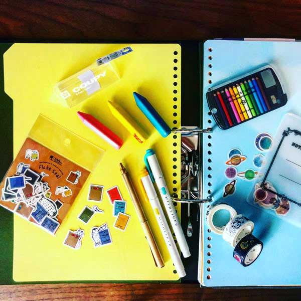 文房具の写真 3:第1回目のテーマは「文房具の今」について