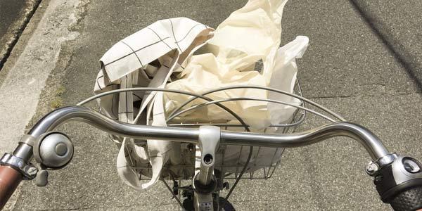 自転車とエコバッグ