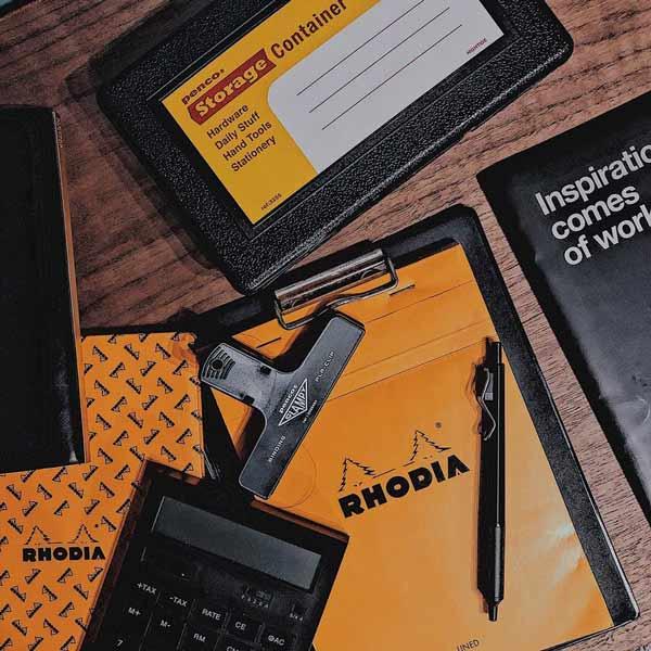 最近流行している社会人向けノートは、クリエイティブ思考を助けるために作られたノートです