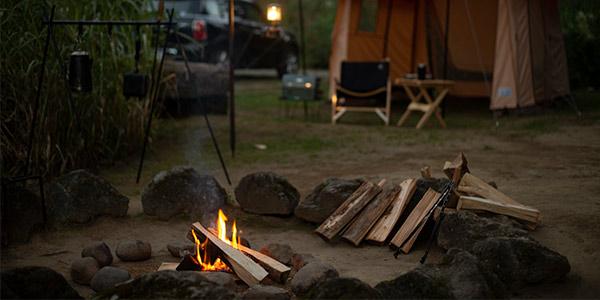 「キャンプ」を軸にフリーランスで仕事をこなす職業を紹介