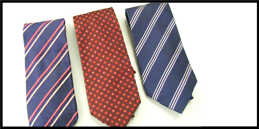 PAUl SMITHのネクタイは、意外にも落ち着いたテイストのデザインが多いんです