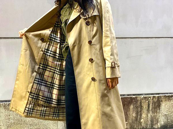 トレンチコート同様バーバリーのアイコンとして知られるバーバリーチェックがコートの裏地として登場したのは1924年