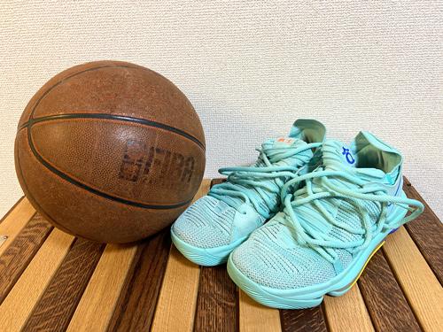 私が好きなNBAチーム「ゴールデンステイトウォーリアーズ」モデルのバッシュ