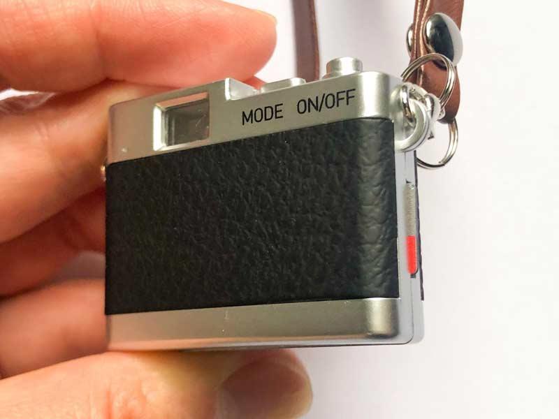 Micro SDカードを挿入